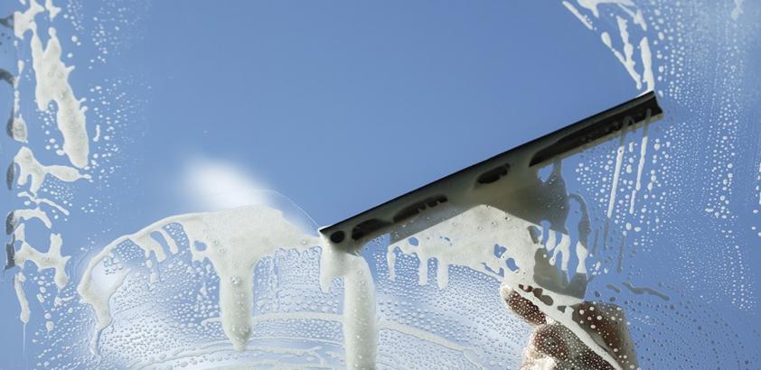 Как правильно мыть стекла, окна и витрины